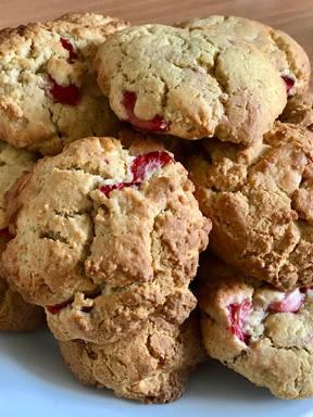 Gooey White Chocolate and Strawberry Cookies