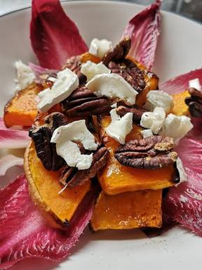 Butternut squash & goats' cheese salad