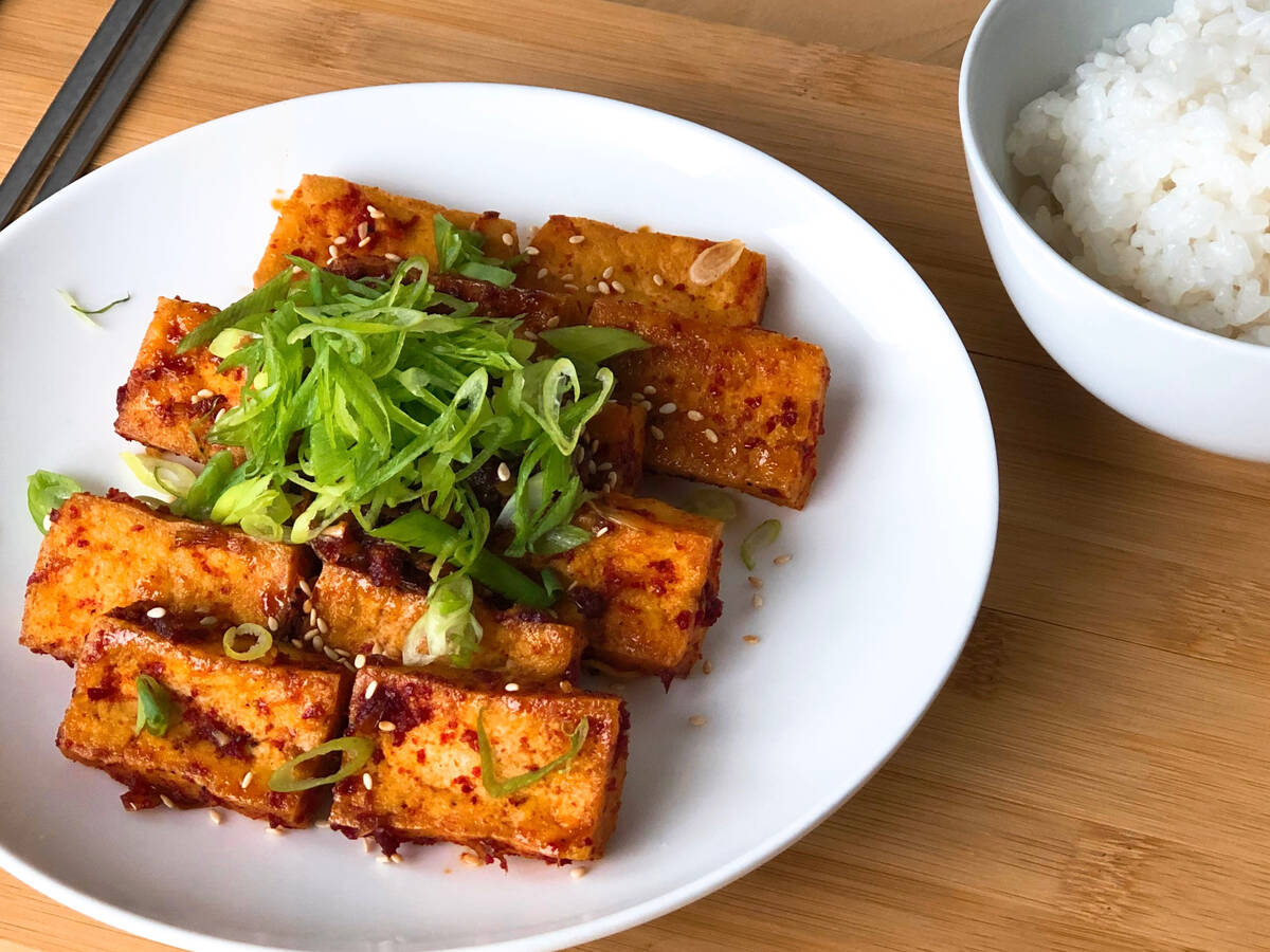 Braised Tofu in a Spicy & Savory Sauce (두부조림)