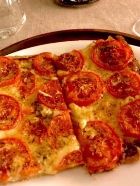 Tomaten Gruyère Tarte mit Dijon-Senf