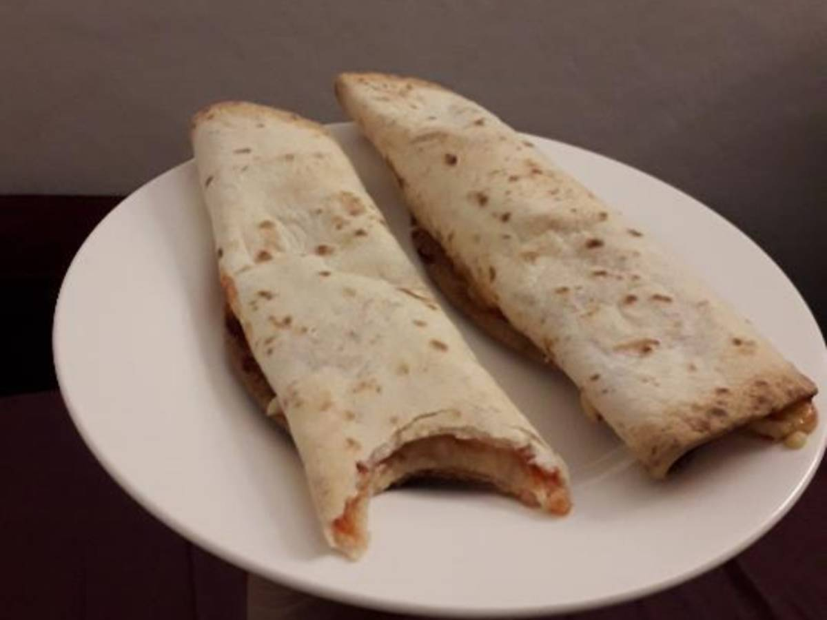 Pizza tortillas