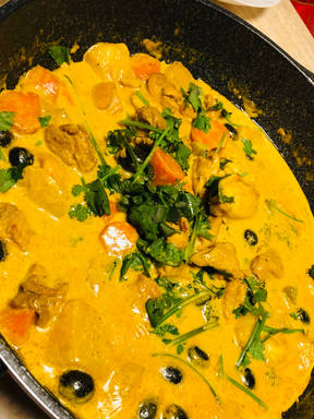 Macanese (Portuguese) Chicken Curry