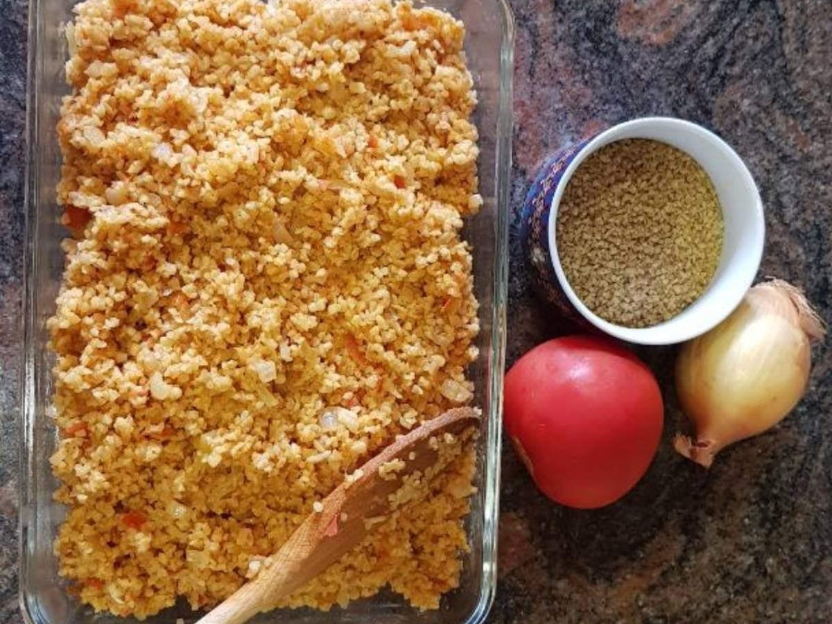Bulgur and tomatoes