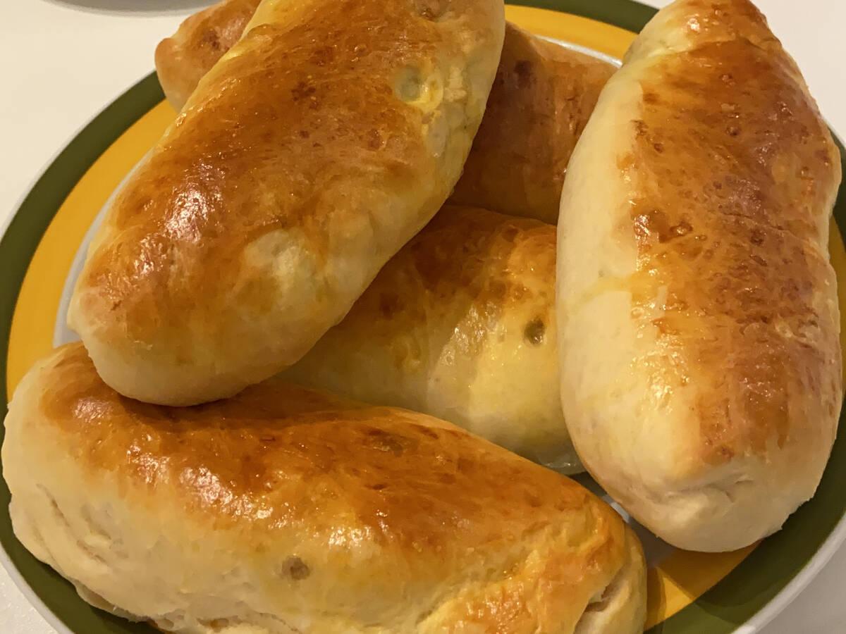Russische Piroschki mit Ei-Lauch- & Kartoffel-Füllung
