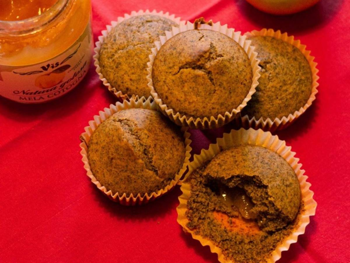 Apple jam stuffed cupcakes