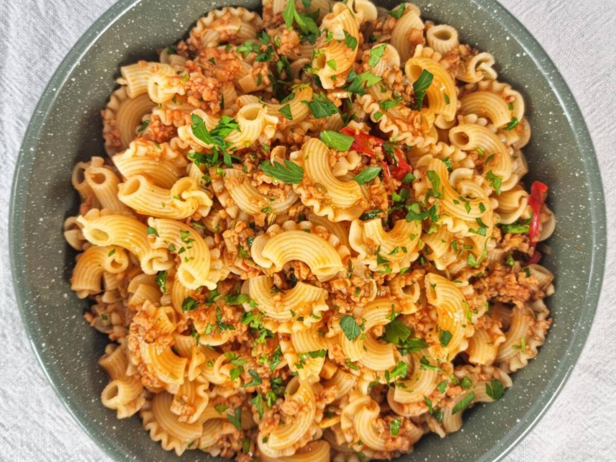 Sojahack–Pasta mit Fenchel