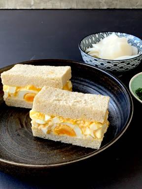 Tamago sando (Japanisches Eiersalat-Sandwich)