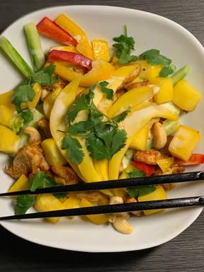 Chicken-Mango Salat
