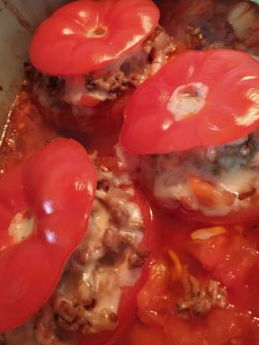 Gefüllte Tomaten mit Hackfleisch