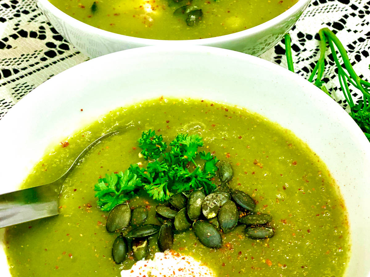 Green soupe with a French touch