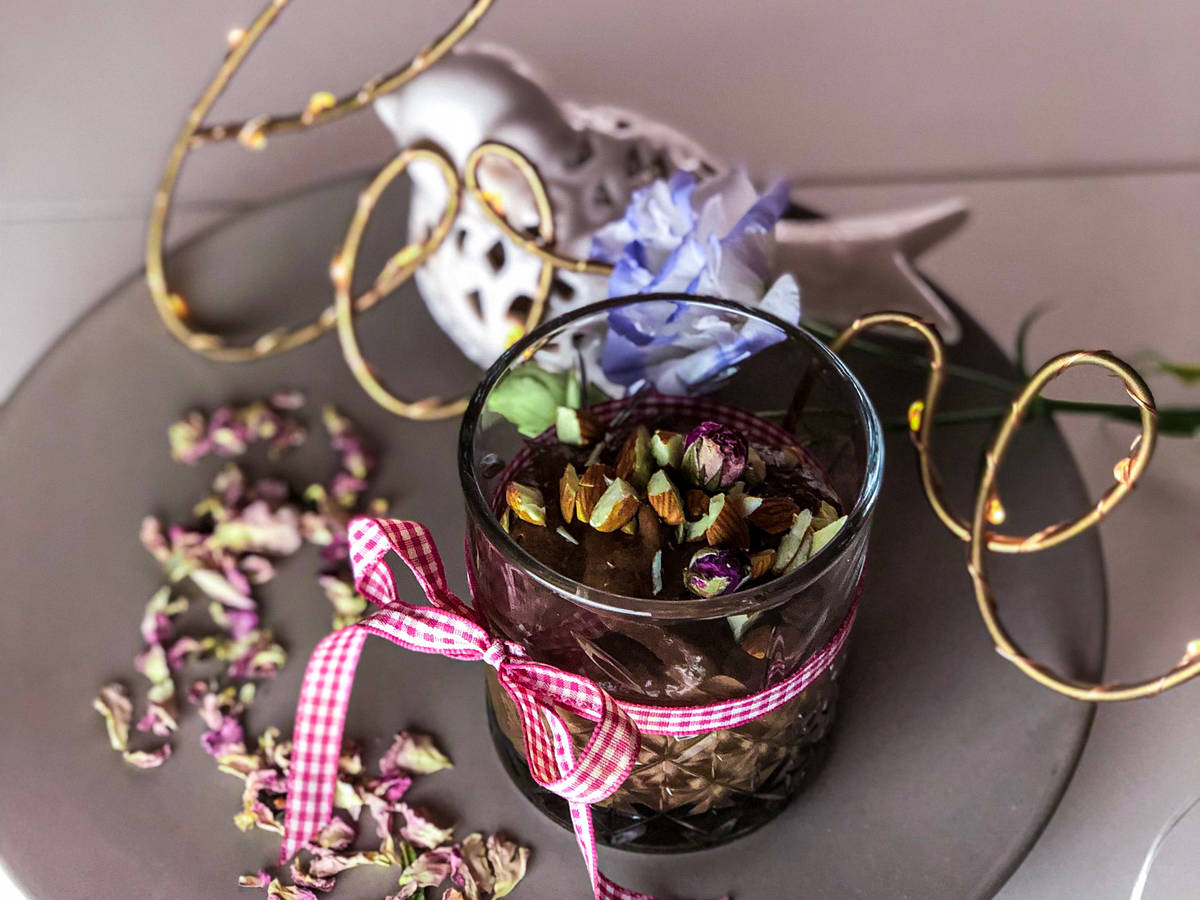 ChocoMousse with almonds