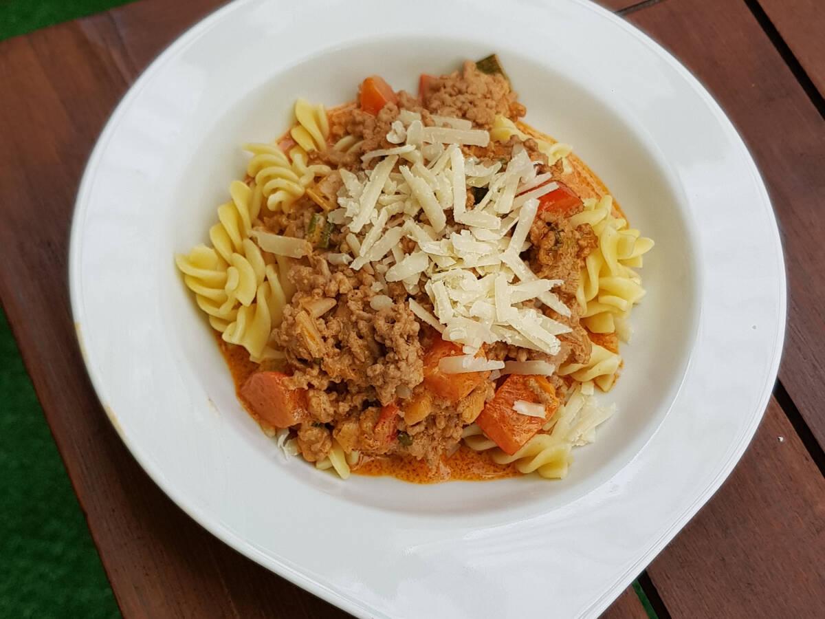 Fusilloni Bolognese ohne Tomaten