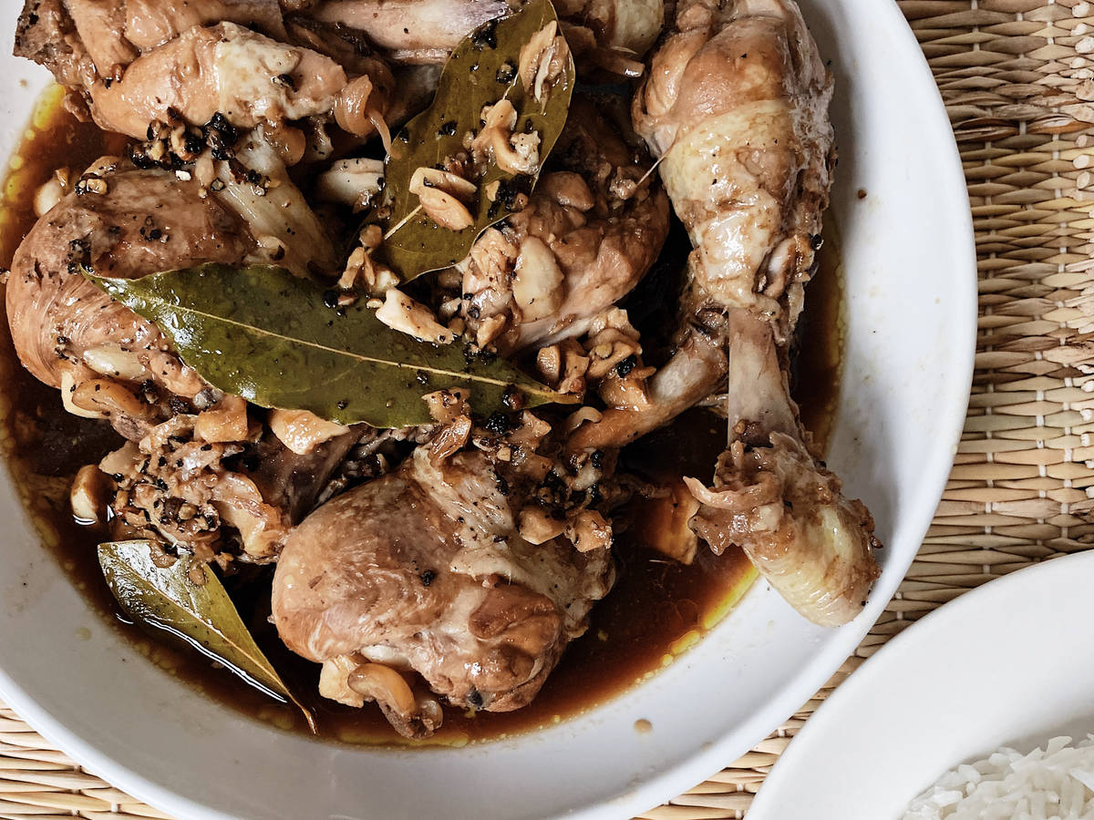 Lola's Filipino chicken adobo