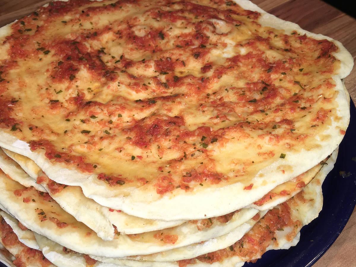 Lahmacun/ türkische Pizza (vegetarisch)