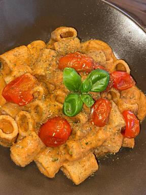Vegane cremige Tomaten Pasta