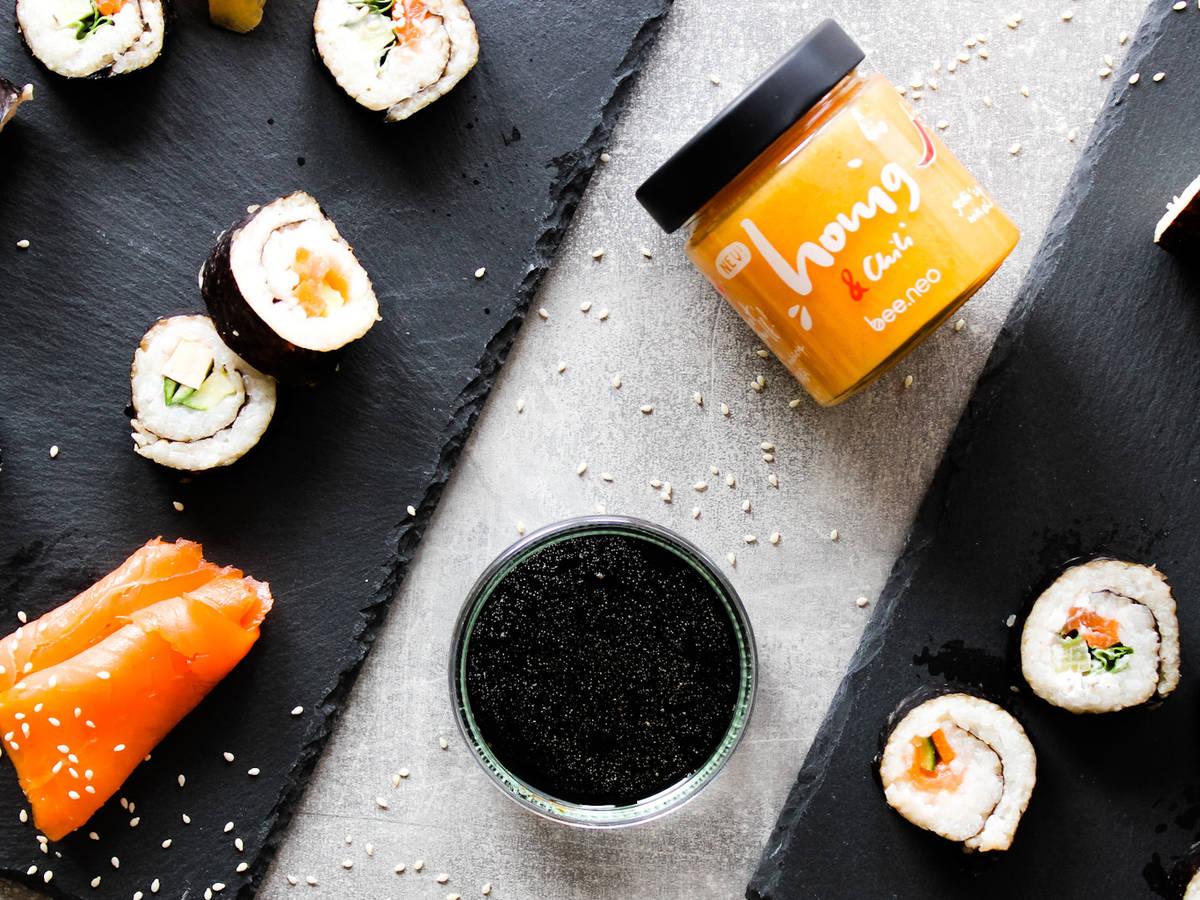 Dreierlei Sushi mit Soja-Limetten-Chili-Dip