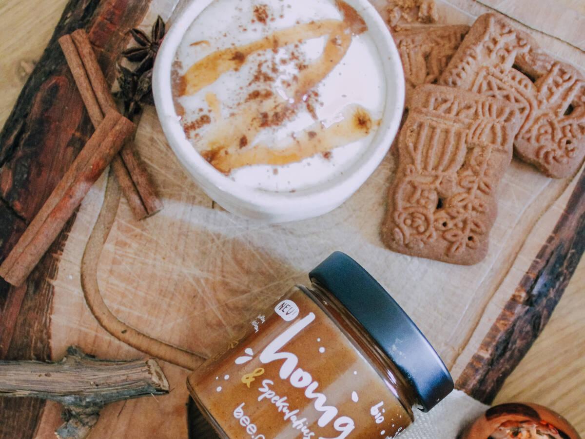 Spiced Cappuccino mit Honig & Spekulatius