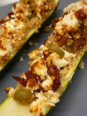 Bulgur-Zucchini-Schiffchen