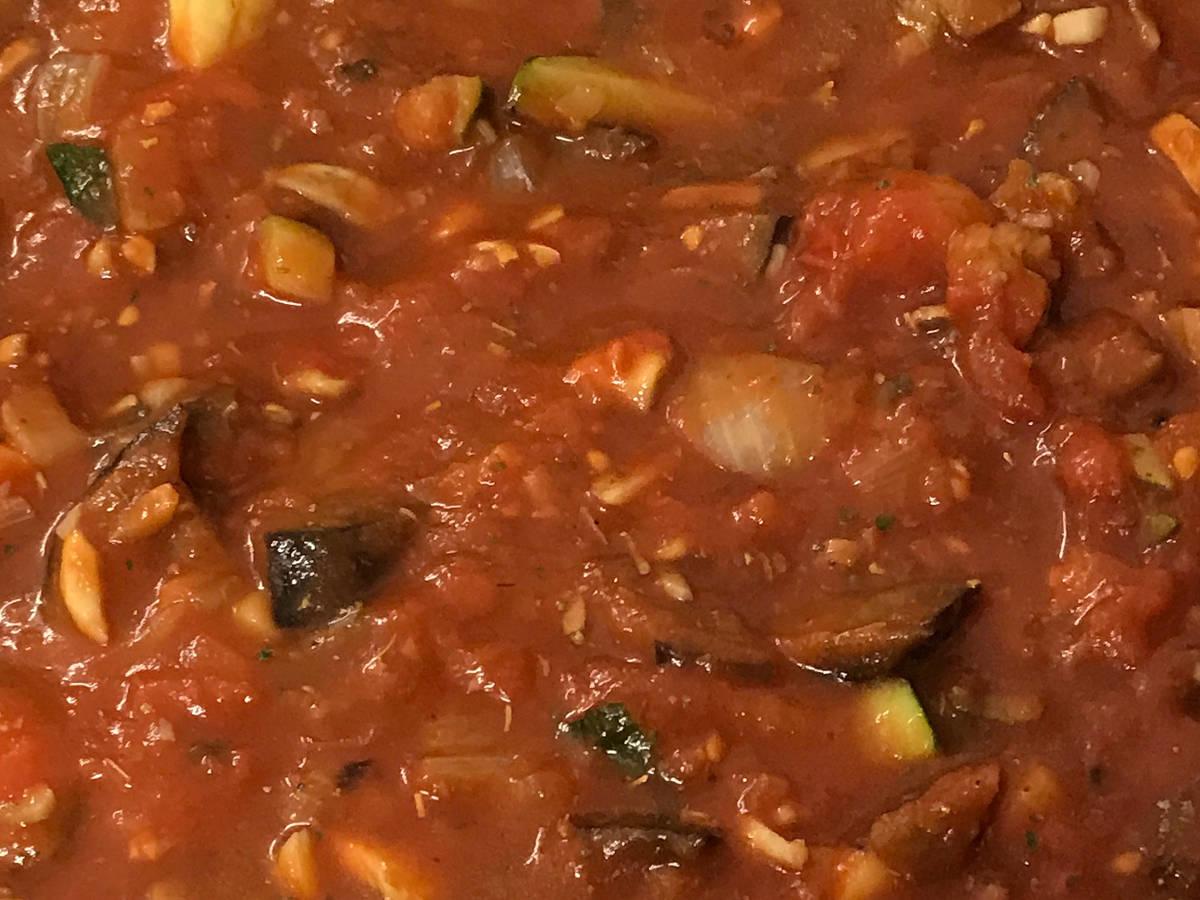 Mediterranean veggie pasta sauce