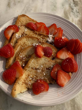 Easy and Delicious Eggless French Toast