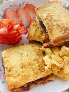 果酱鸡蛋三明治