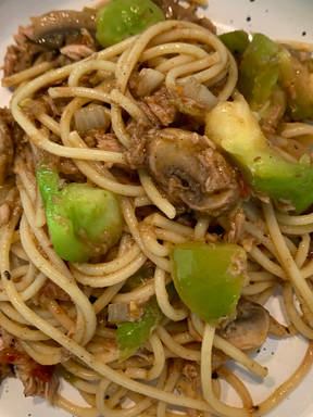 Tuna Pasta with Green Tomatoes and Mushrooms