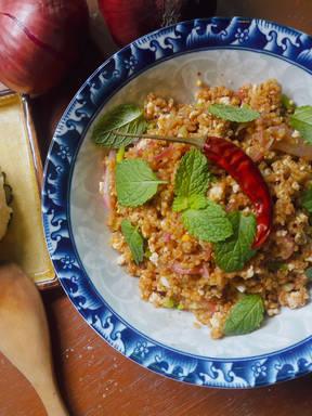 Quinoa and Chicken breast salad. ( Laab)