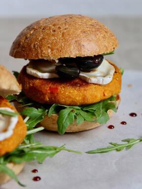 Kürbis-Burger mit Ziegenkäse & Traube