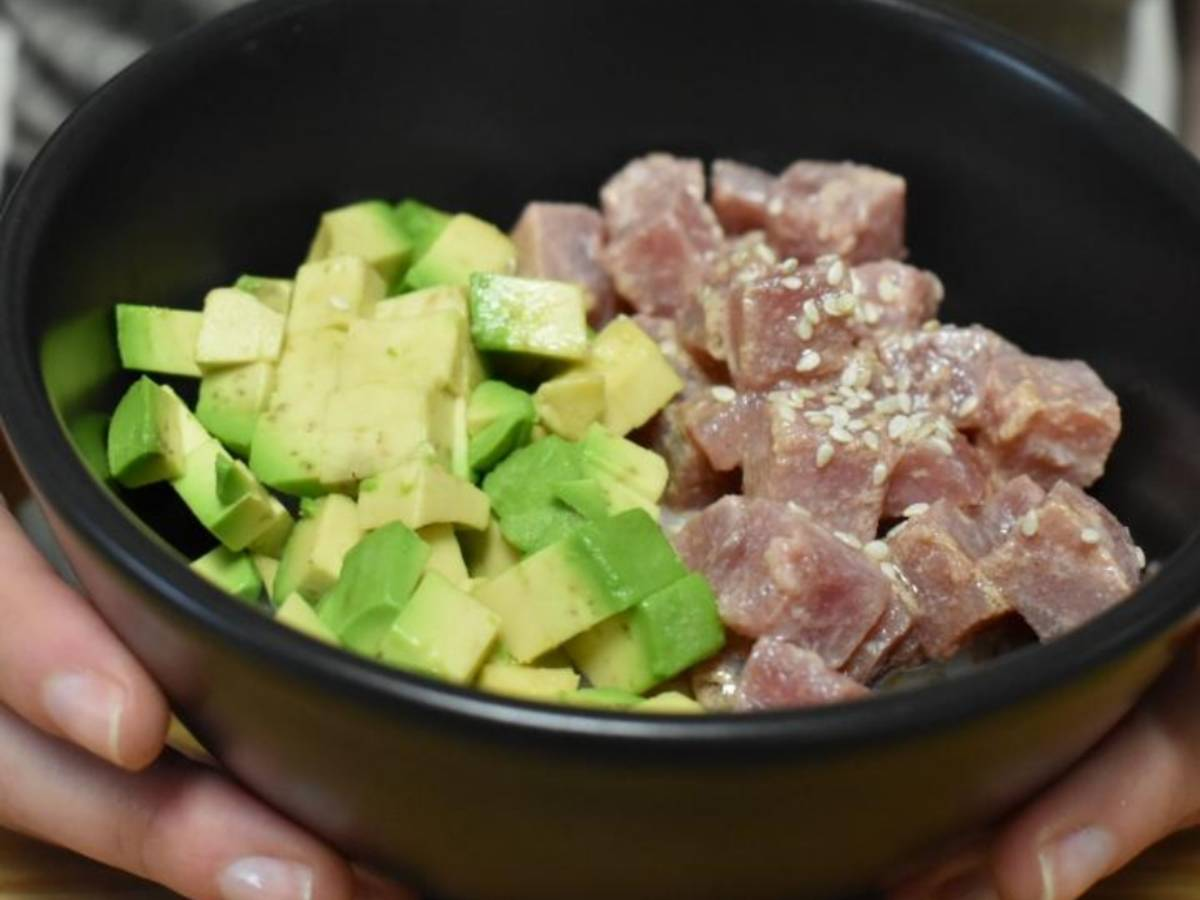 Simple avocado and tuna bowl