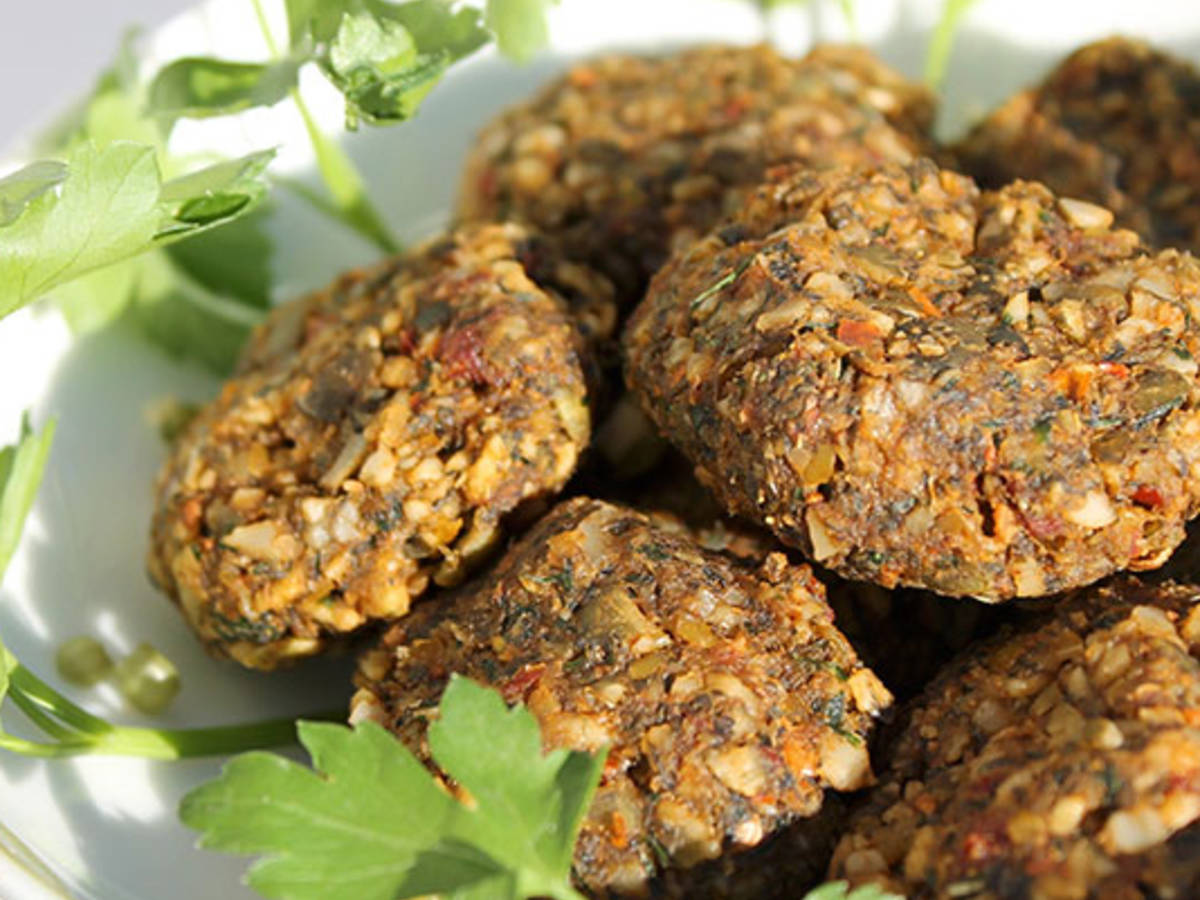 Sundried nut-free falafels (raw vegan)
