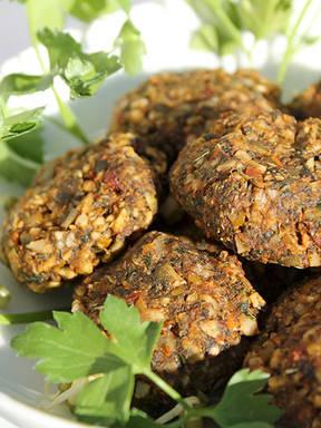 Sundried nut-free falafels (raw vegan)