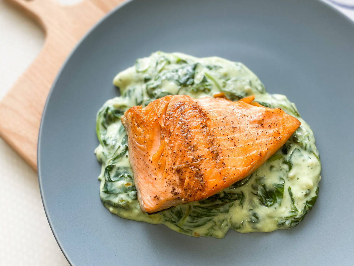 Salmon with creamy spinach
