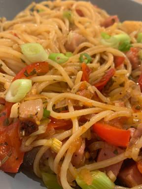 Spaghetti aglio Paprika Bacon