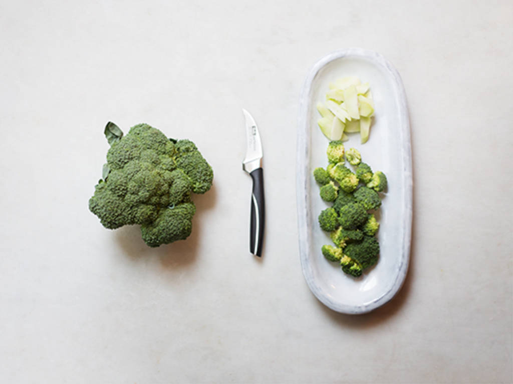 Brokkoli geschickt schneiden