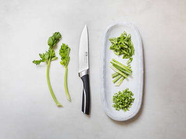 如何处理芹菜茎