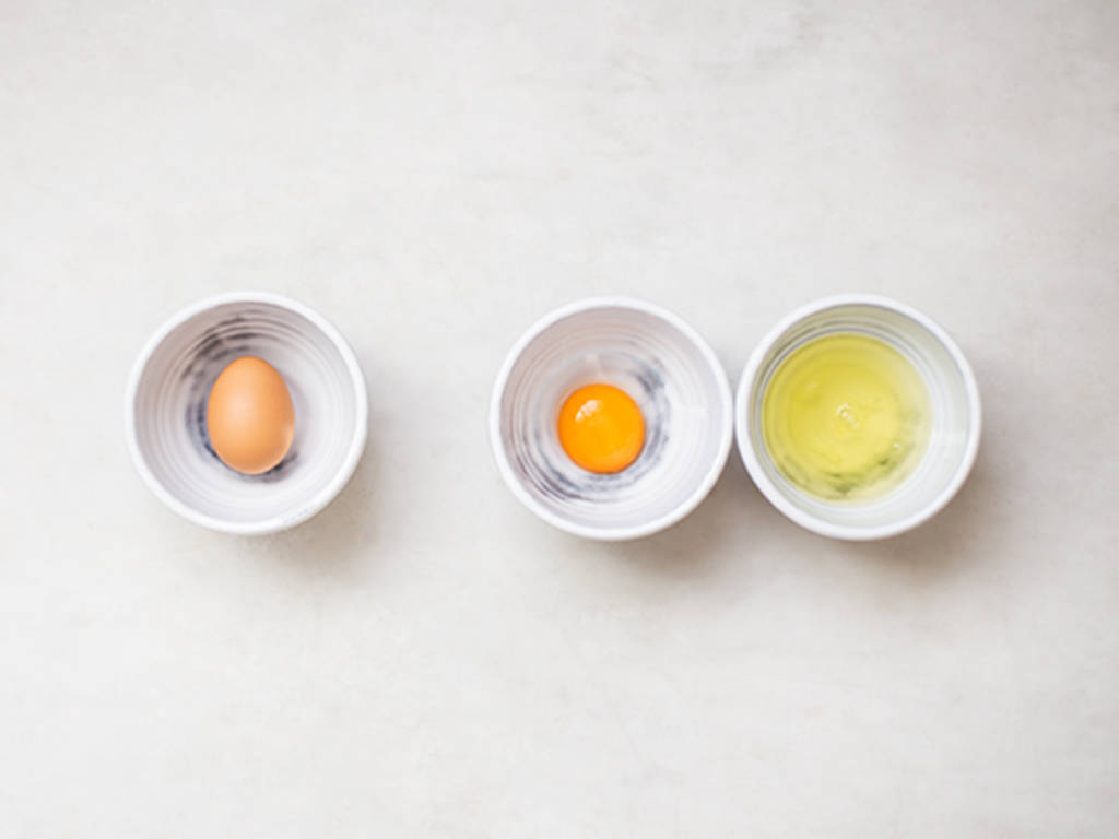 How to separate eggs