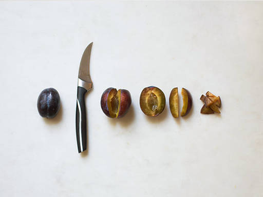 How to prepare plums