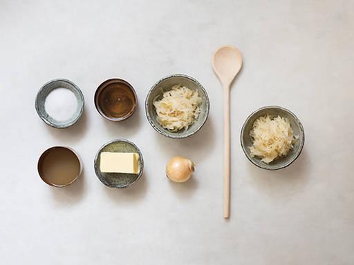 schweinshaxe mit sauerkraut und kartoffeln rezept kitchen stories. Black Bedroom Furniture Sets. Home Design Ideas