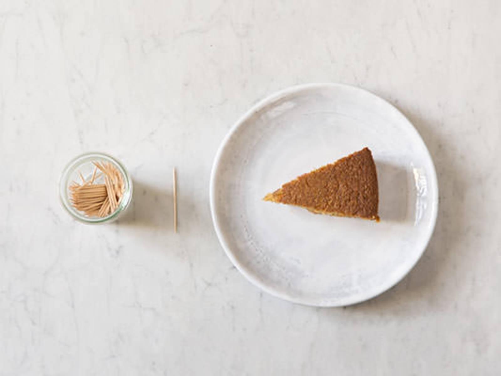 Kuchen auf Garpunkt testen