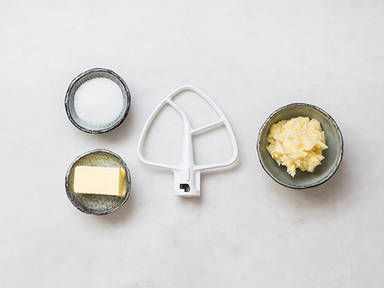 How to cream butter and sugar