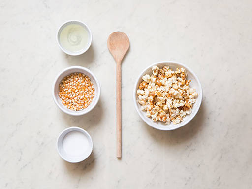 Homemade sweet popcorn