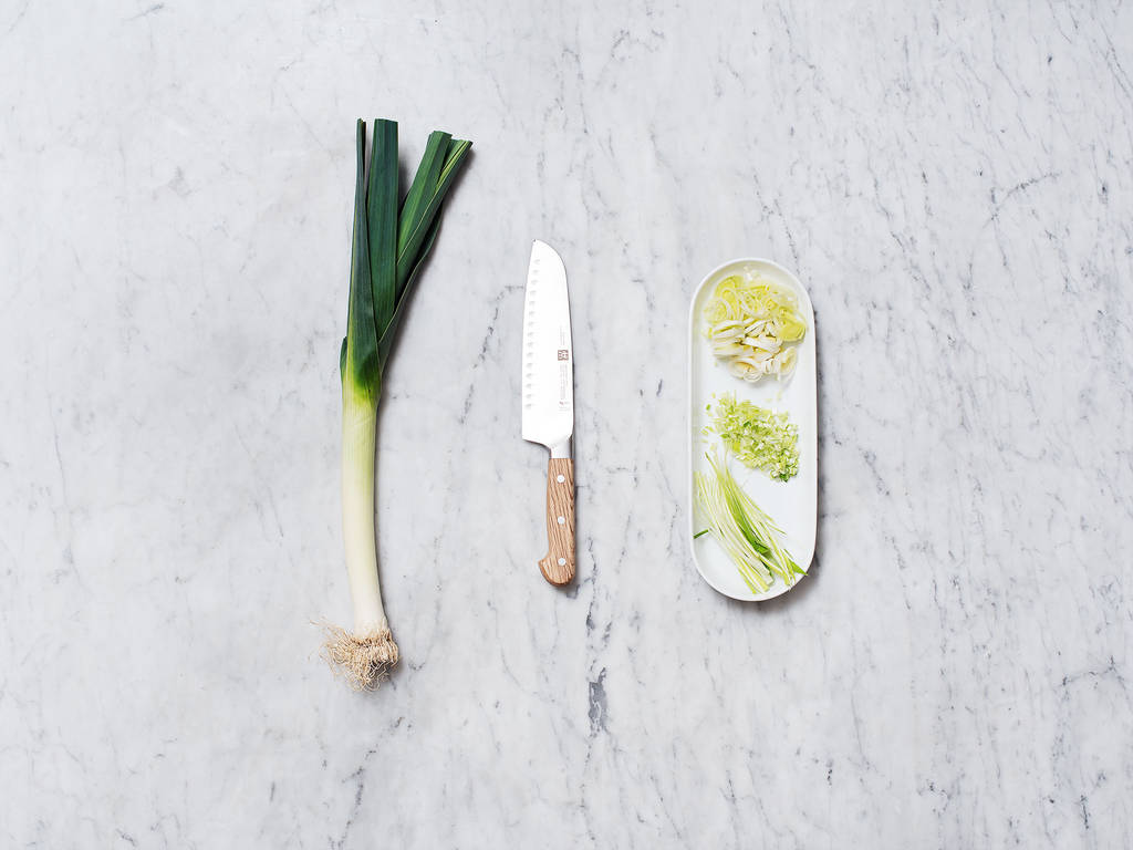 How to clean and cut leeks