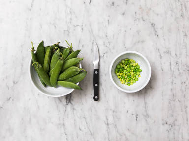 How to shell peas