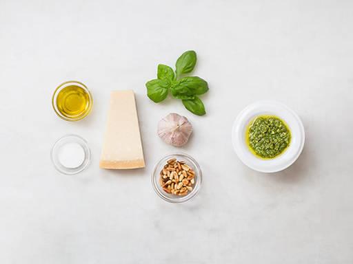 Einfaches hausgemachtes Pesto