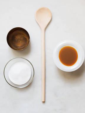 Simple caramel sauce