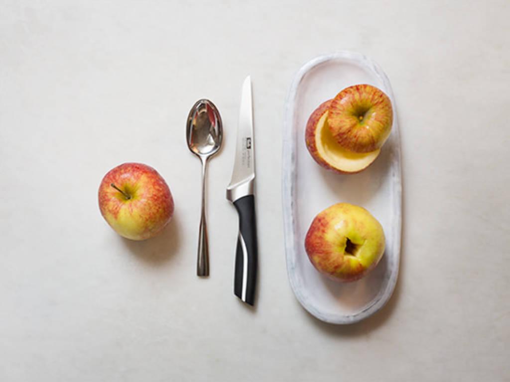 Apfel geschickt entkernen
