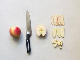 Apfel geschickt schneiden
