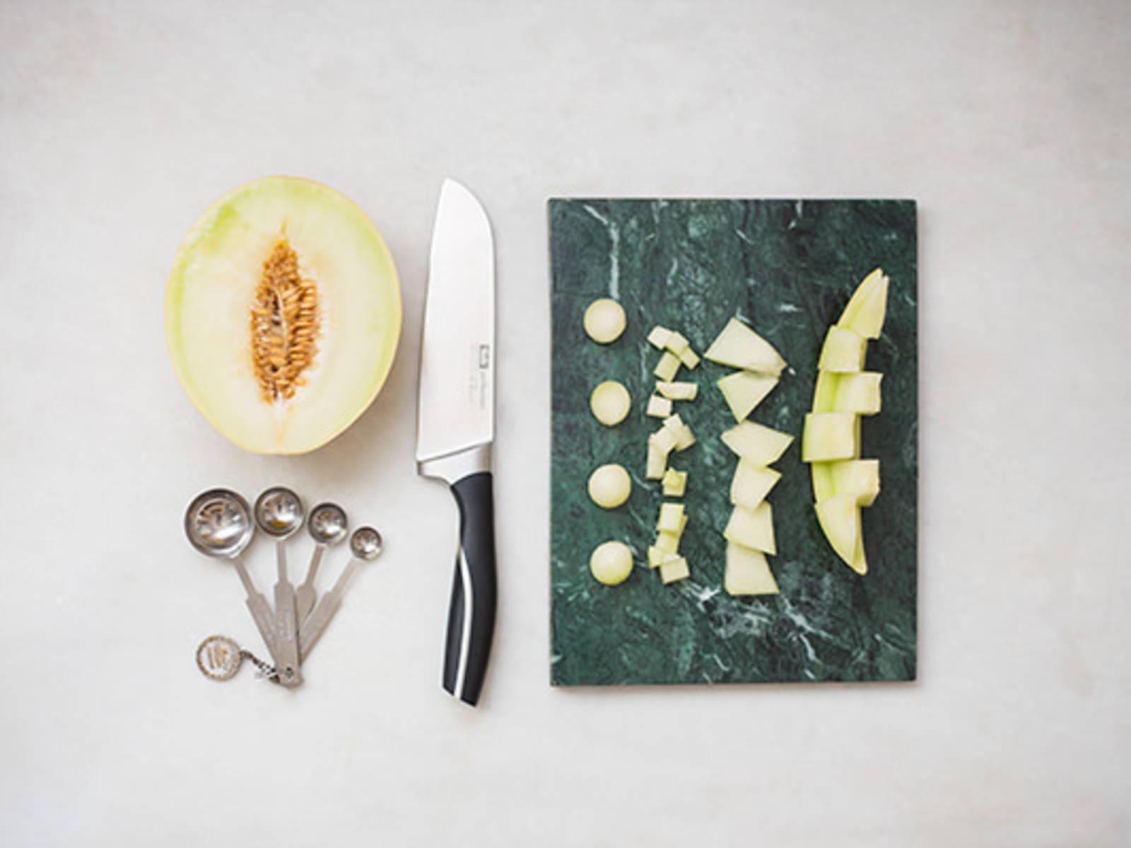 How to prepare a honeydew melon