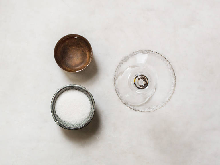 How to sugar rim a cocktail glass