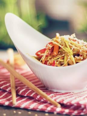 亚洲风味蔬菜沙拉